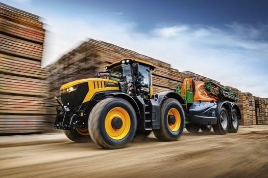JCB Tractor 8330 Fastrac 3